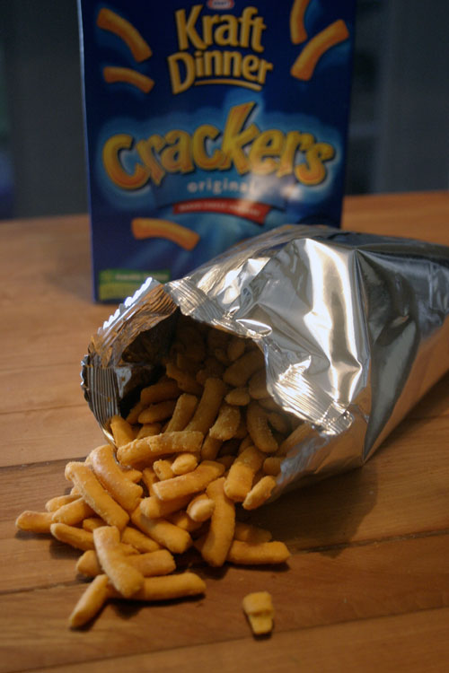 THIS SNACK... doesnt... suck?:  Kraft Dinner Crackers