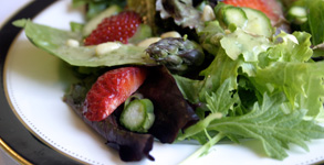 Strawberry, Asparagus and Pine Nut Salad with Tarragon Vinaigrette