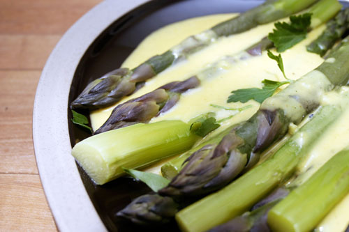 Asparagus with Curried Cheese Sauce