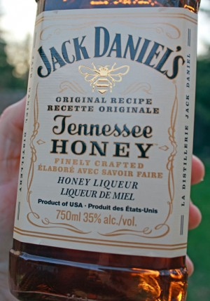 jack_daniels_honey_liqueur_2
